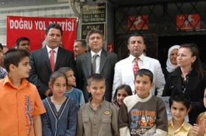 DYP İskenderun'da seçim bürosunu açtı