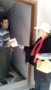 Chp Belen Kadın Kolları kapı kapı broşür dağıtıyor (4)