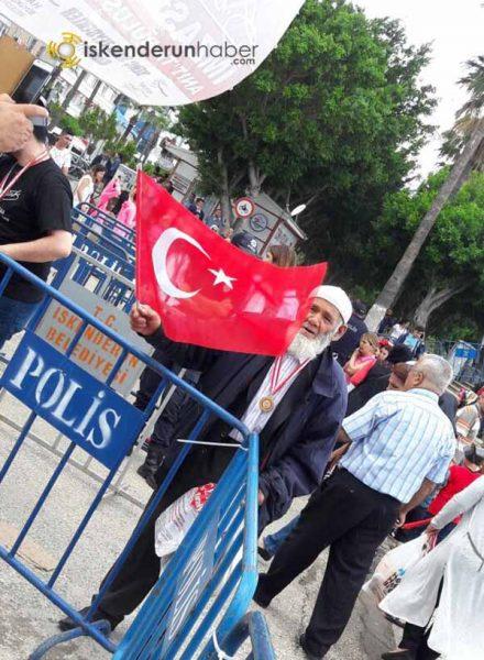 1919 İskenderun'lu Gazi Mustafa Kemal Atatürk imzasını oluşturdu