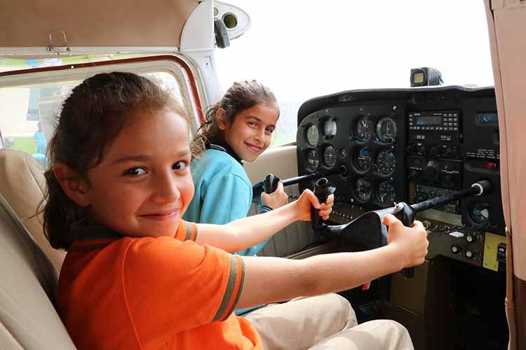 Havacılığı Ziyaret, Çocukları Havalara Uçurdu!