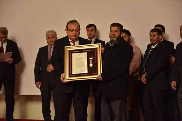 Hatay'da Devlet Övünç Madalyası ve Beratı Takdim Töreni Düzenlendi