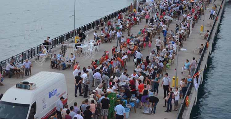 İskelede 500 kişilik iftar sofrası kurulacak