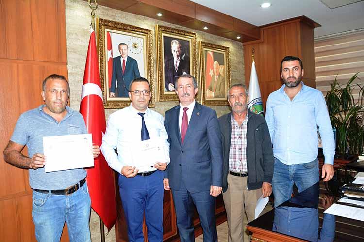 Zeytin Dalı Operasyonunda Başarı Gösteren Belediye Çalışanlarına Başarı Belgesi