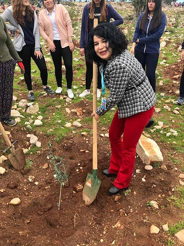 Akdeniz Mesleki Teknik Anadolu Lisesi öğrencilerinin dikili bir ağacı oldu