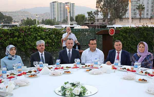 Şehit yakınları ve gazilere iftar programı düzenlendi
