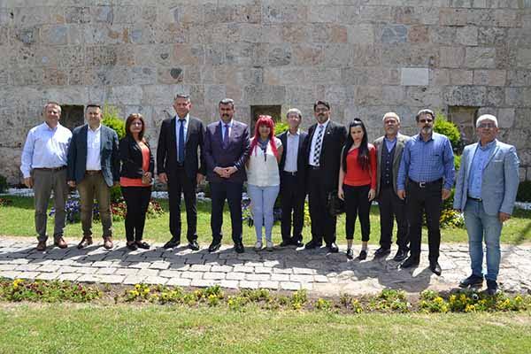 Gazetecilerden Belediye Başkanlarına Ziyaret