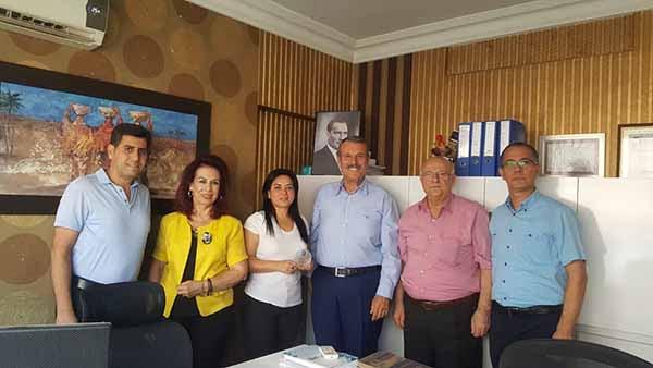 İskenderun Serbest Muhasebeci Mali Müşavirler Odası Başkanı Merih Hasan Yıldırım ve yönetim kurulu üyeleri yeni işyeri açan üyelerine hayırlı olsun ziyaretinde bulundu