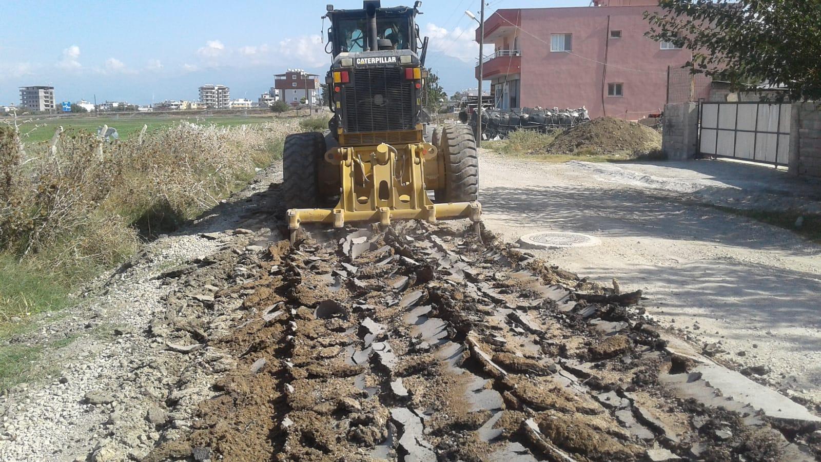 Arsuz'da Yollardaki İyileştirme Çalışmaları Devam Ediyor