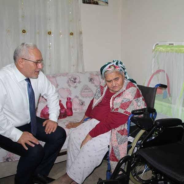 Başkan Fatih Tosyalı'dan Engelli Bireylere Akülü Araç Desteği