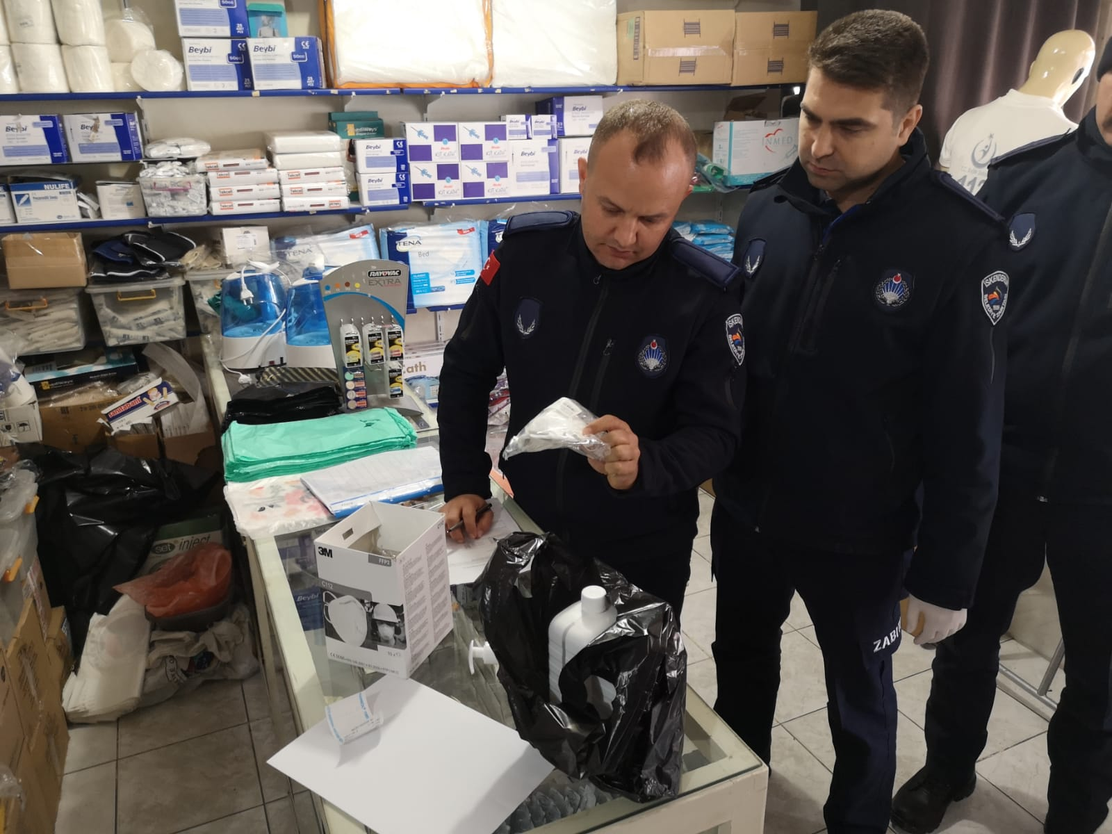 """İskenderun Belediyesi Zabıtası """"Fahiş Fiyat"""" Denetimlerini Sürdürüyor"""