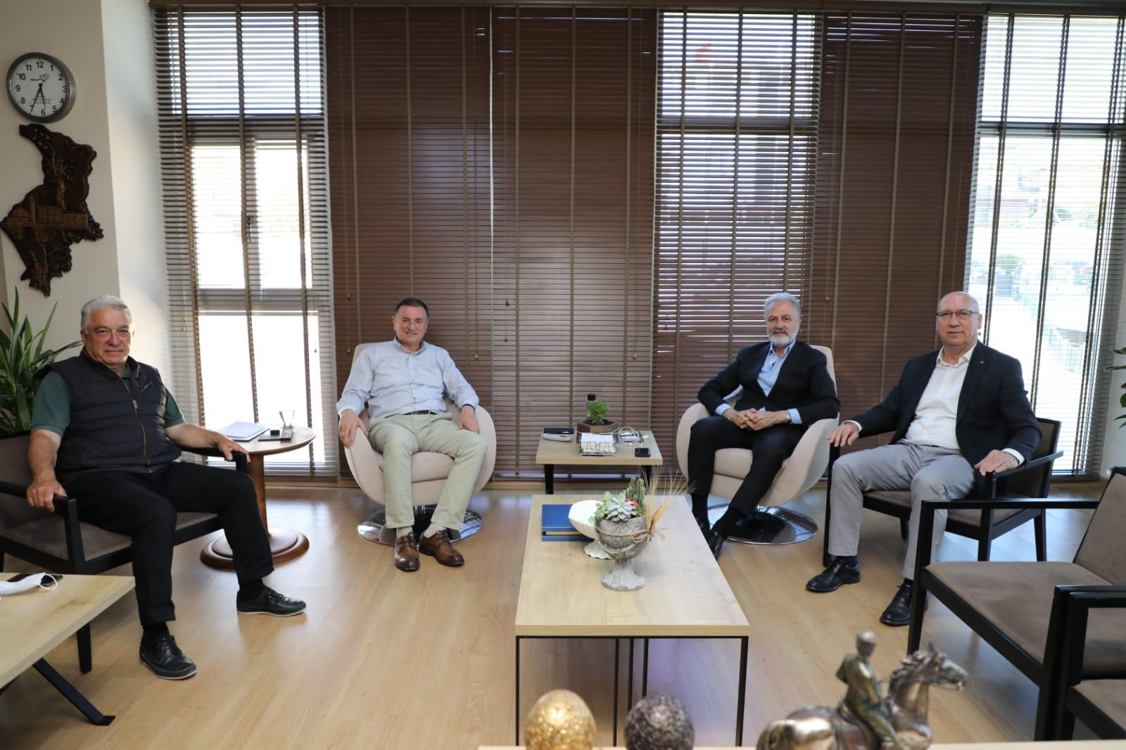 İTSO Yönetiminden HBB Başkanı Lütfü Savaş'a Nezaket Ziyareti