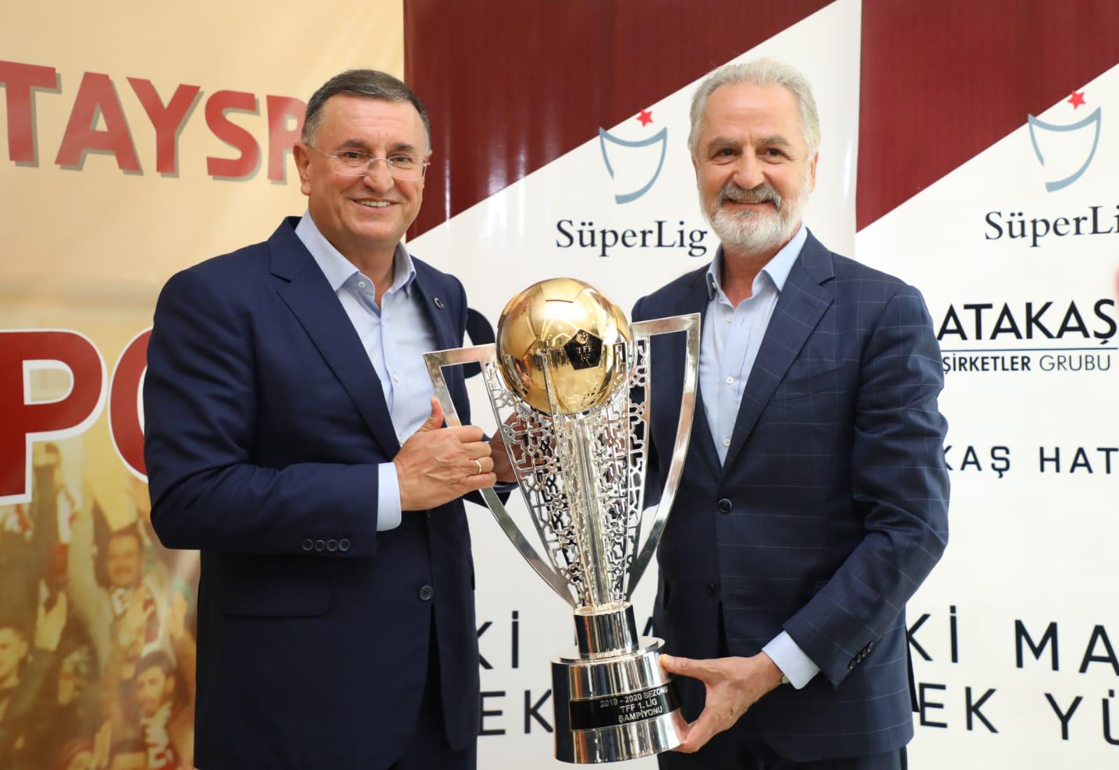 ATAKAŞ Hatayspor'un Şampiyonluk Kupası İTSO'da Ziyarete Açılıyor