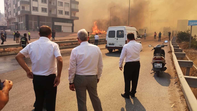 Arsuz, İskenderun ve Belen'i kapsayan Yangın Devam Ediyor