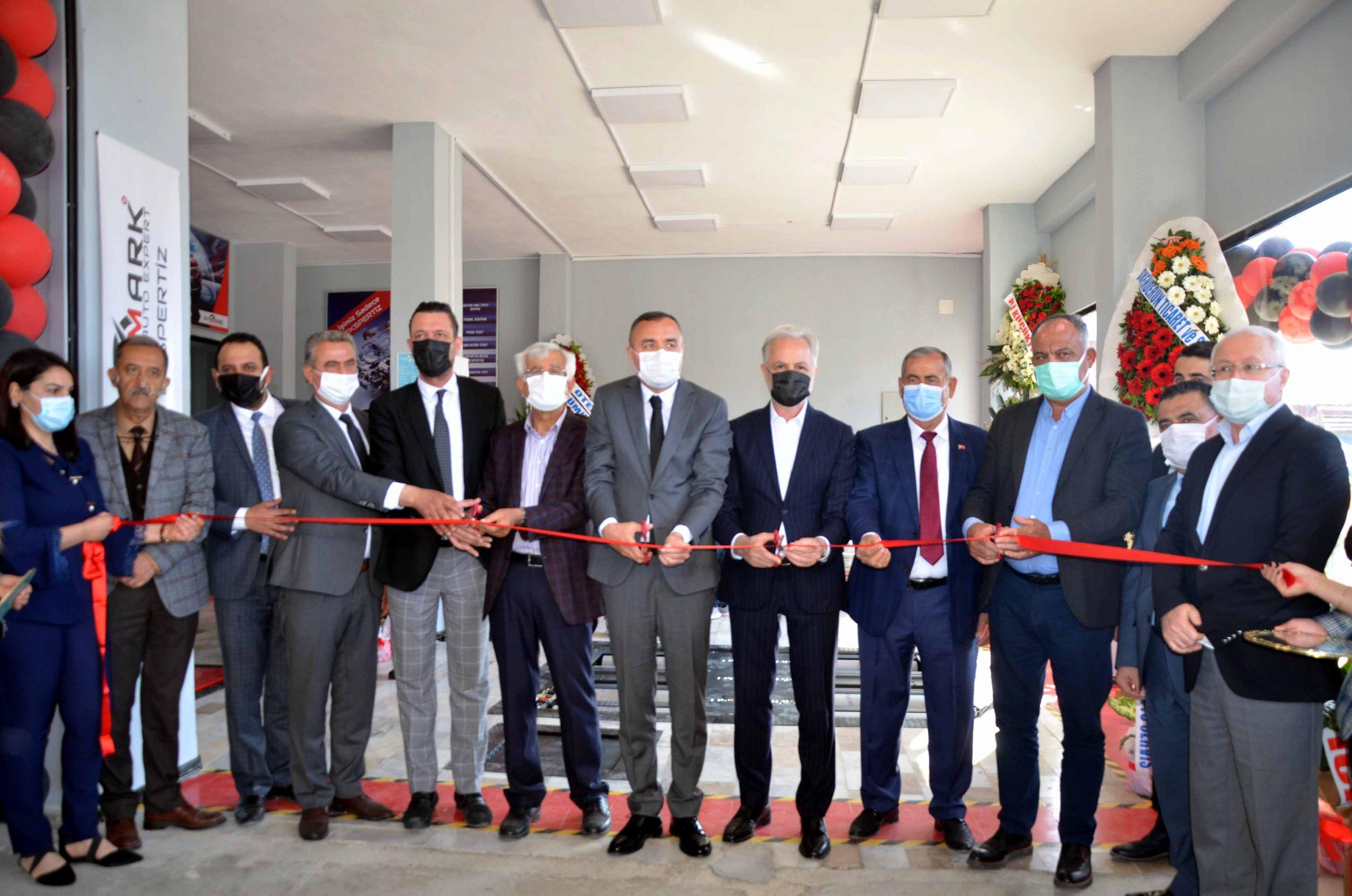 İTSO Yönetim Kurulu Üyeleri Dynomark Auto Ekspertiz'in Açılışına katıldı