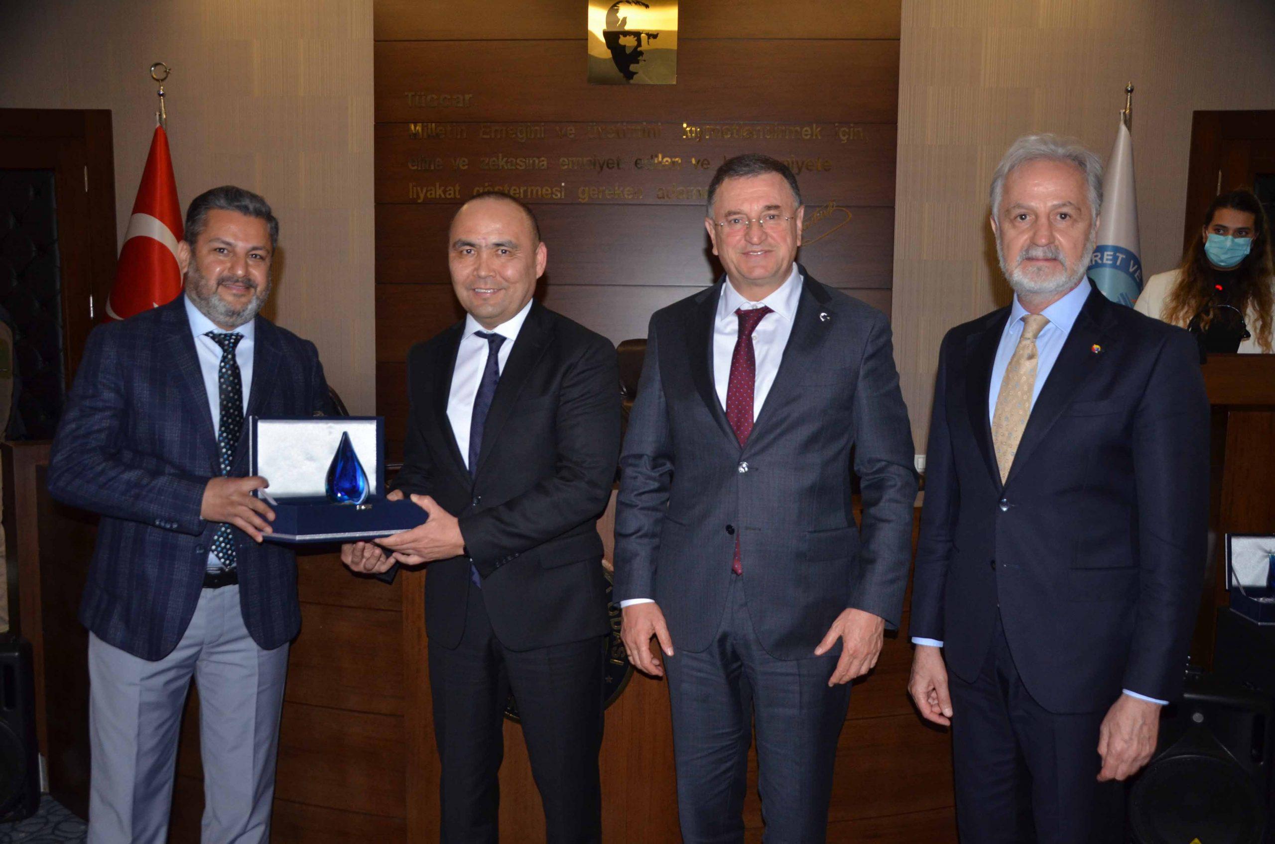 İTSO'da Türki Cumhuriyetlerinin Bağımsızlığının 30. Yıl Dönümü Etkinlikleri Kapsamında, İş Dünyası İle İstişare Toplantısı Düzenlendi