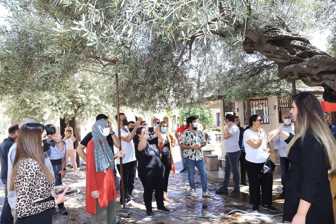 Yunus Emre Enstitüsü, program dönüşü Sokollu Mehmet Paşa Külliyesini ziyaret etti