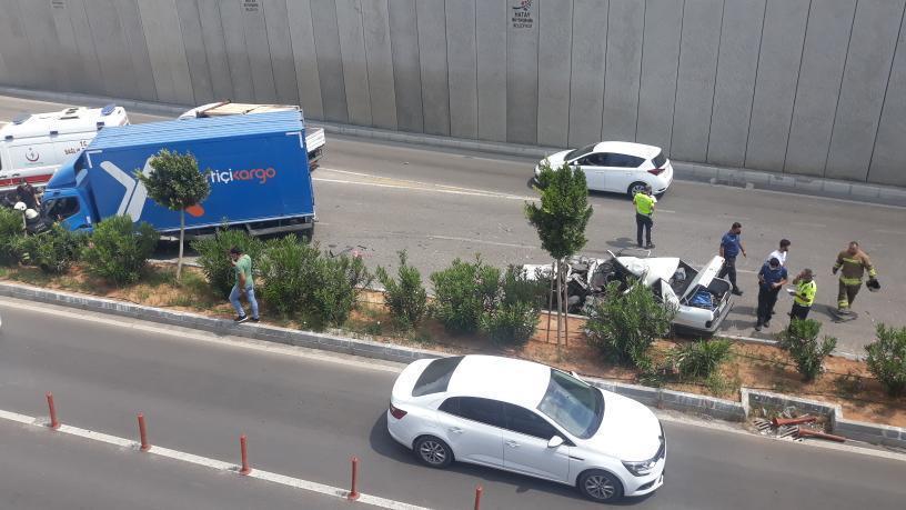 Trafik Kazasında Araç İkiye Ayrıldı
