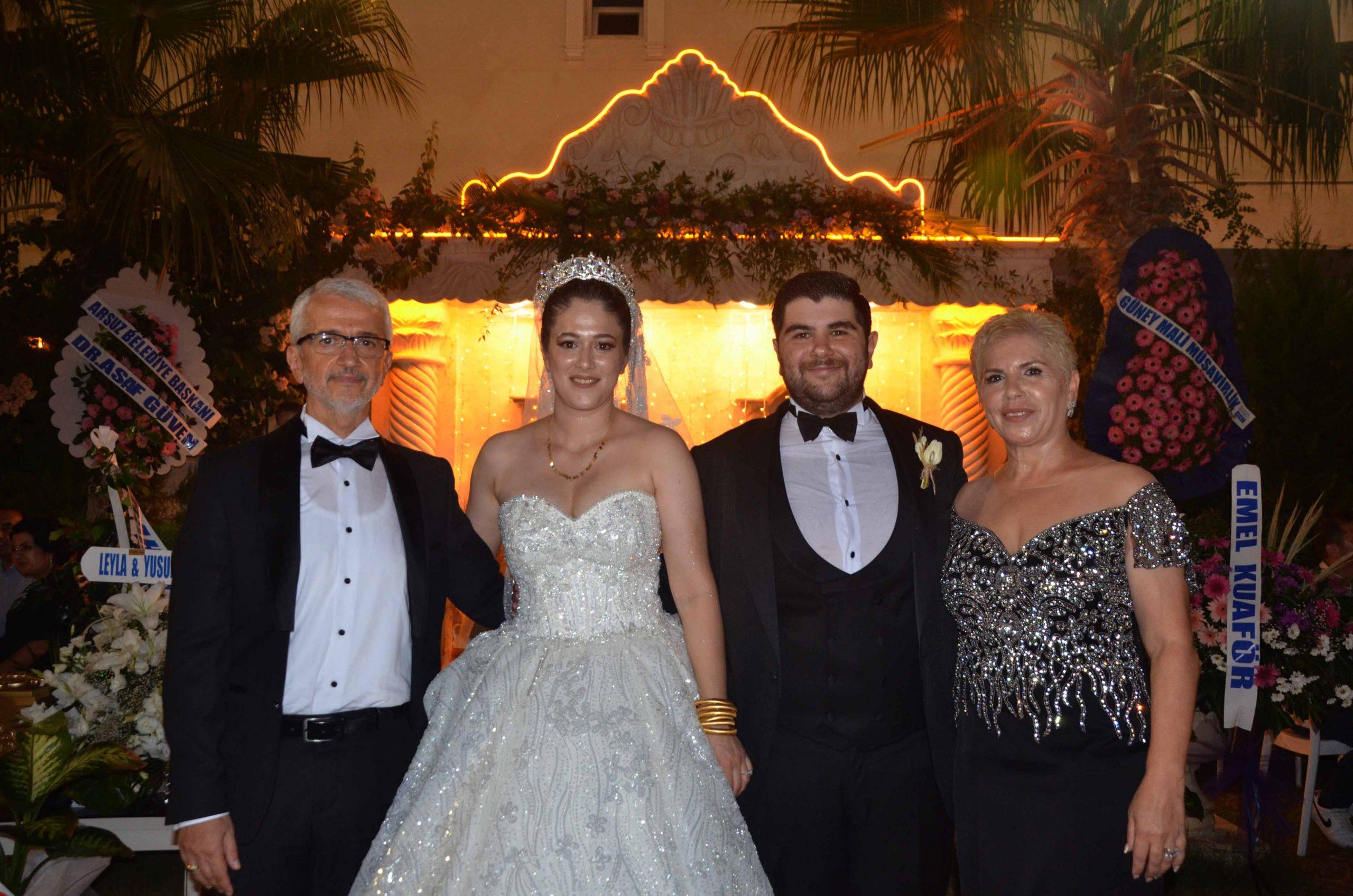 Dillere Destan Düğünde Genç Çiftler HAYAT Buldu