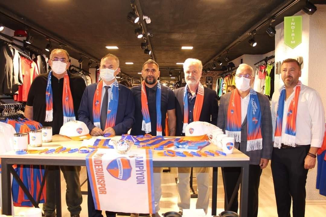 Enderspor Mağazasında İskenderunsporun Ürünleri Sergileniyor