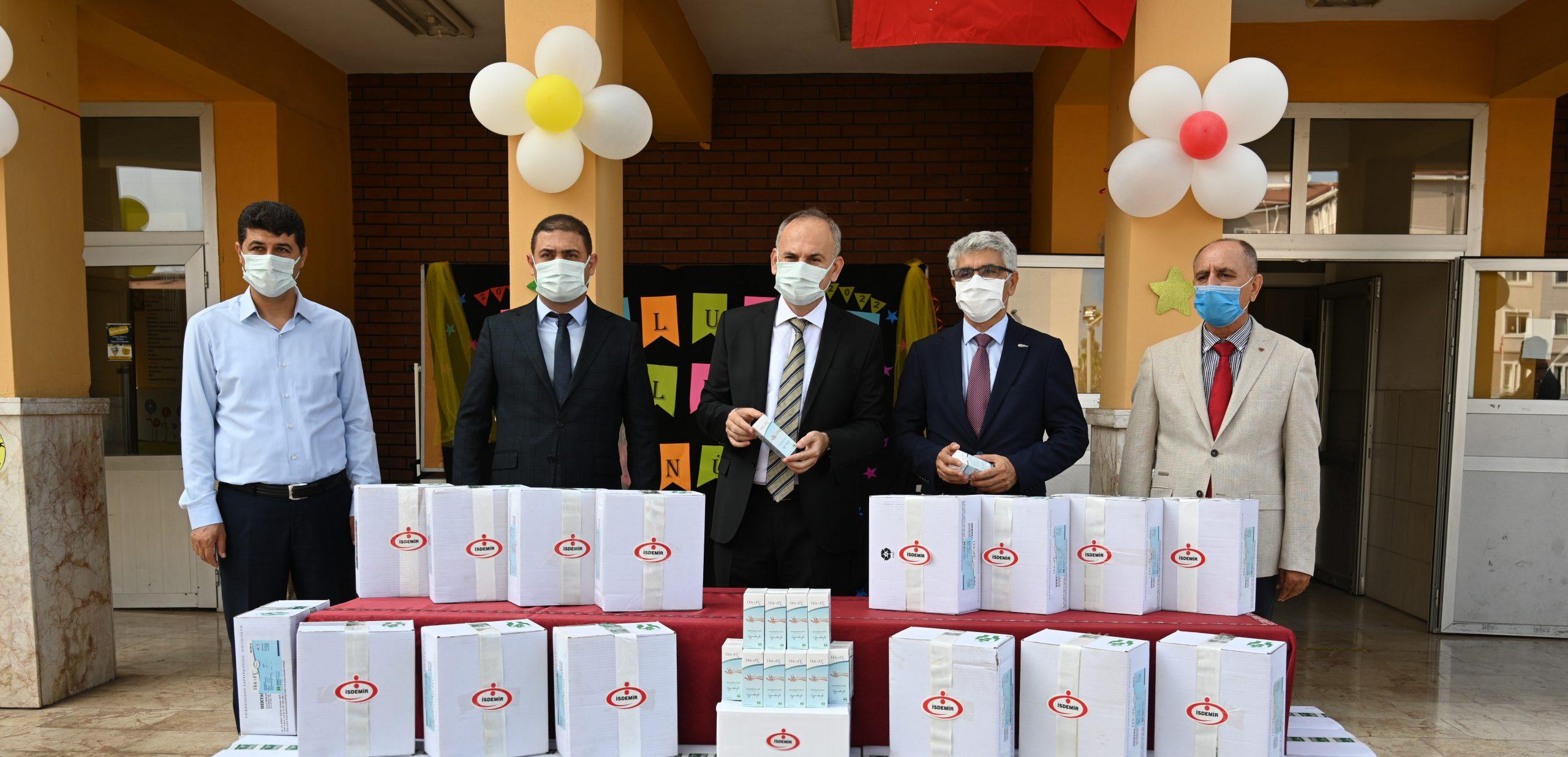 İsdemir'den bölge okullarına dezenfektan desteği